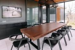 Villa Samsara - Contemporary dining area design