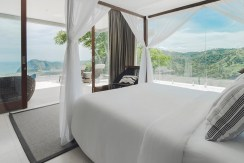 Jakabee Villas - Master bedroom with gorgeous view