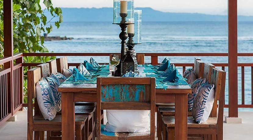 14.-Villa-Tirta-Nila---Outdoor-dining-setting
