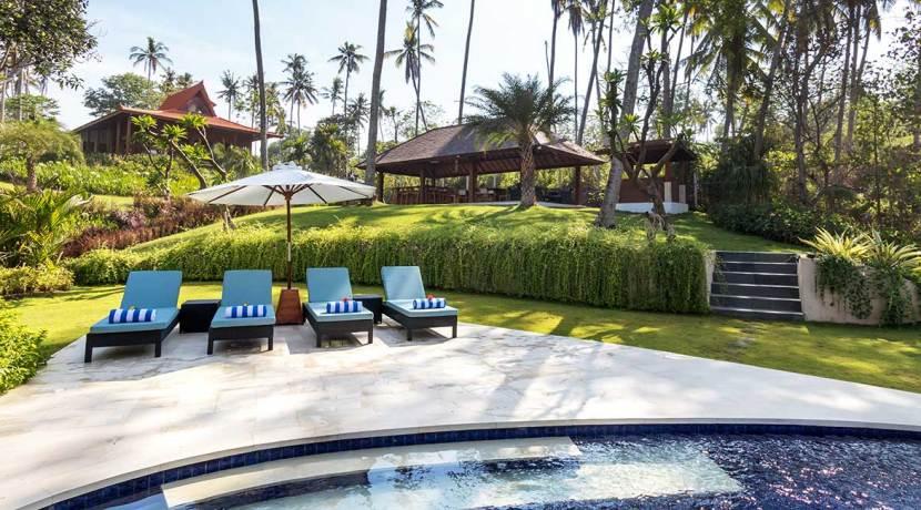 Ronggo-Mayang---Pool-Daylight-04