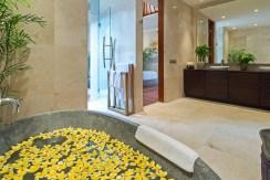 Villa Kailasha 3_0012_08-Eshara III - Flower bath