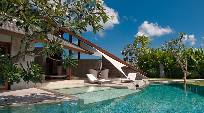 Villa Kailasha_0012_08-The Layar - 3 bedroom - Pool during the day