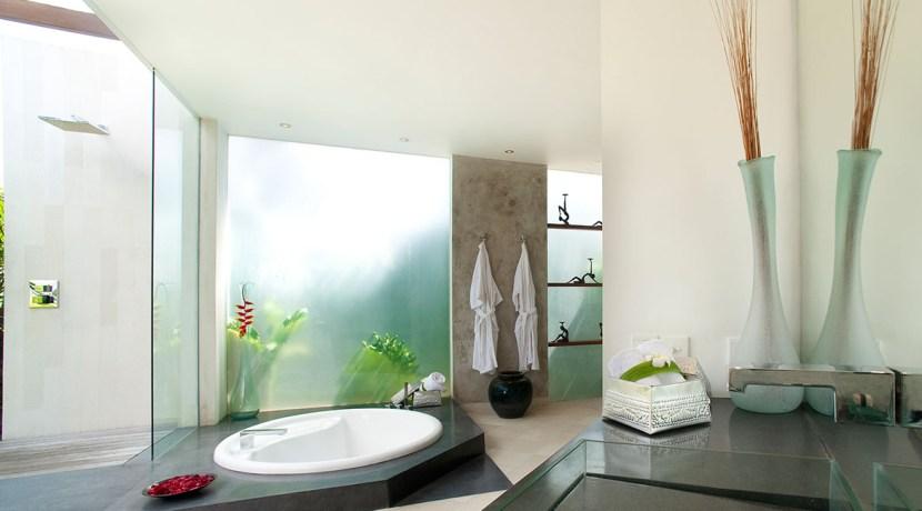 Villa Kailasha_0014_06-The Layar - 3 bedroom - Bath