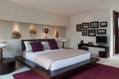 Villa Kailasha_0015_05-The Layar - 3 bedroom - Master bedroom