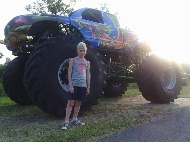 Stuntshow met monstertrucks in Purmerend