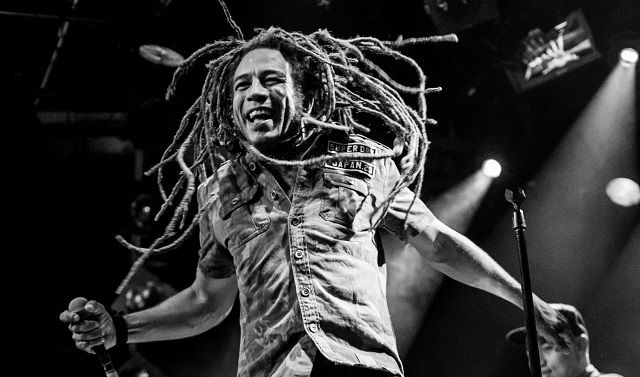 Roots Riders reggaeband tribute to Bob Marley in P3 Purmerend