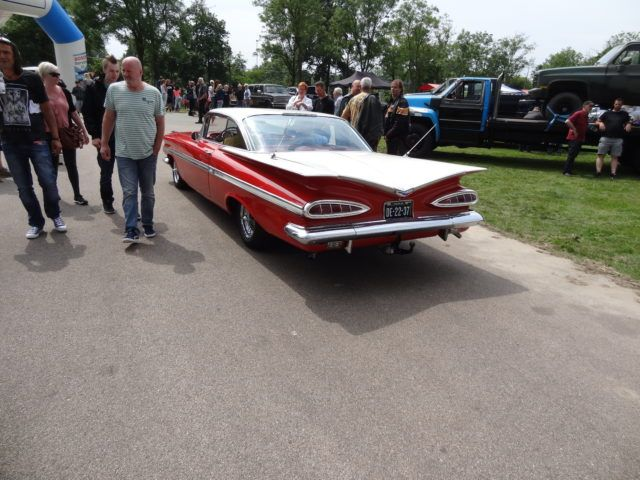 USA2DAY American car & bike event 2016 in Purmerend met veel oldtimers en blinkend chroom