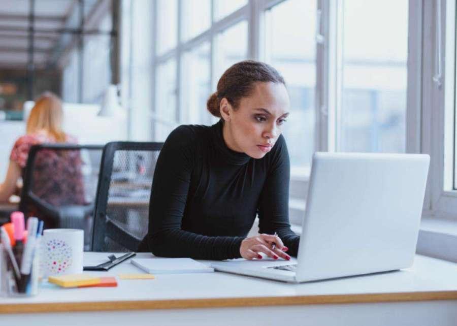 De Fondo: Mujeres en la programación