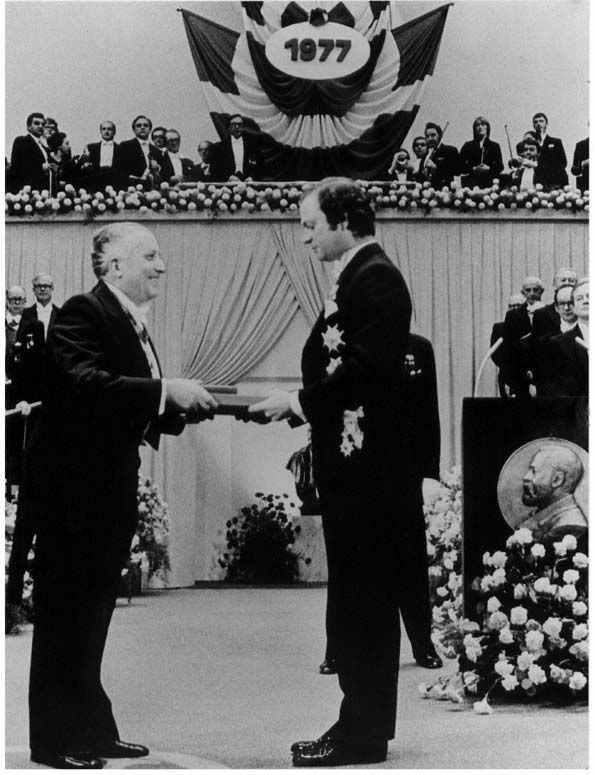 Prigogine recibe el Nobel 1977