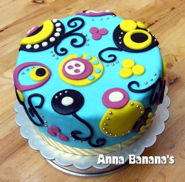 Kawaii Birthday Cake And Cupcakes