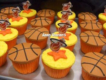 Miami Heat Cupcakes - Anna Banana