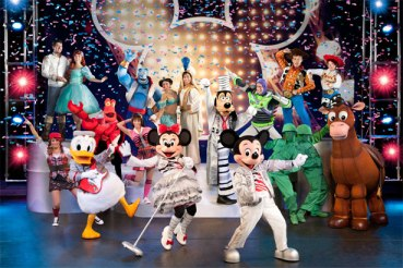 Disney Live - All cast