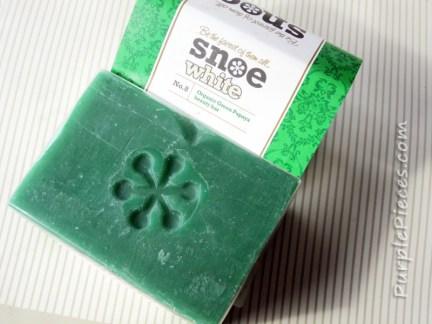 Snoe Beauty Organic Green Papaya Soap Review
