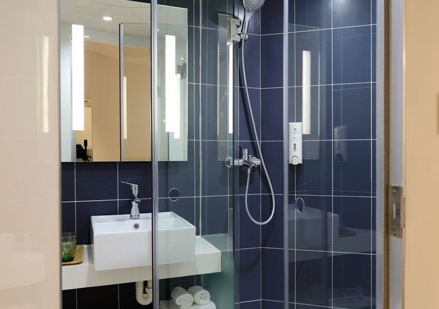 clean your bathroom in just five minutes shower