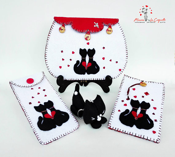 Made to Order Set of 4 Feline Pieces Beauty Set: Cosmetic Makeup Purse, Phone Case, Eyeglass Holder - Dreamy Heart Cats Romantic Felt Set