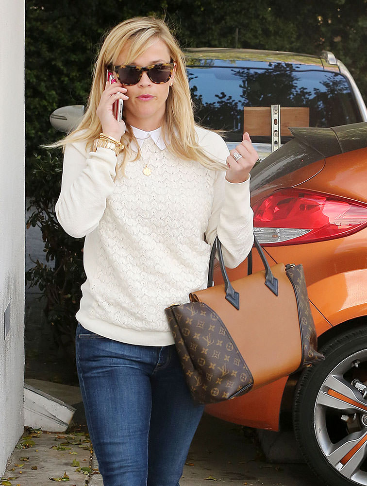 Reese-Witherspoon-Louis-Vuitton-W-Tote