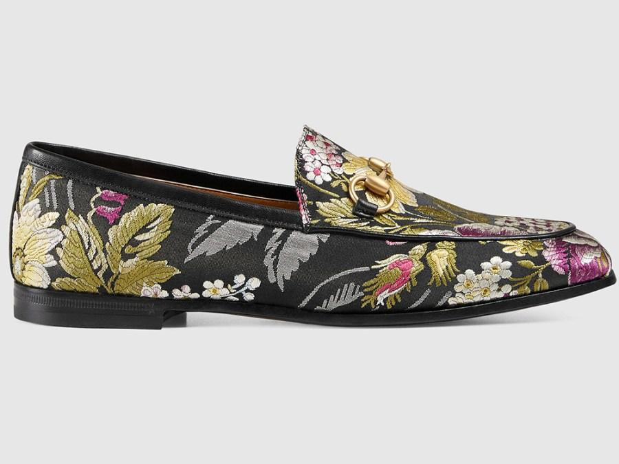 Feature Image 1 - Loafers zijn dit jaar's Perfecte Zomer-naar-Herfst Tussenseizoen schoenen.