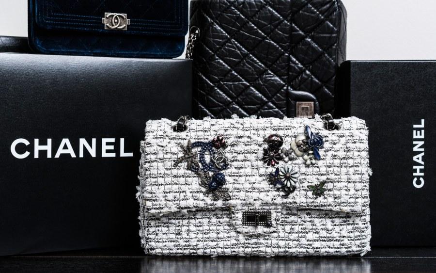 Chanel Buying Guide - De ultieme handleiding voor het kopen van Chanel Tassen Online
