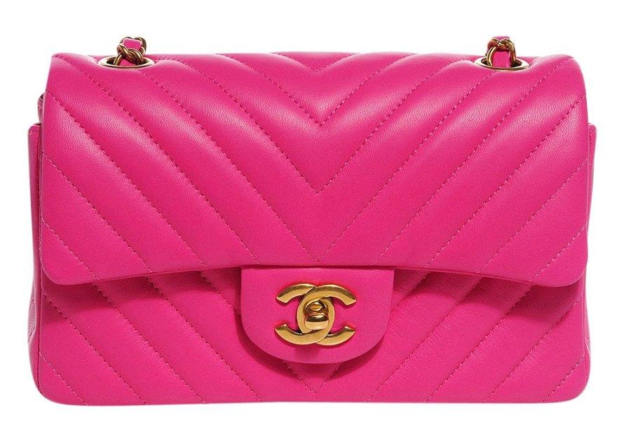 Chanel Chevron Flap Bag - De ultieme handleiding voor het kopen van Chanel Tassen Online