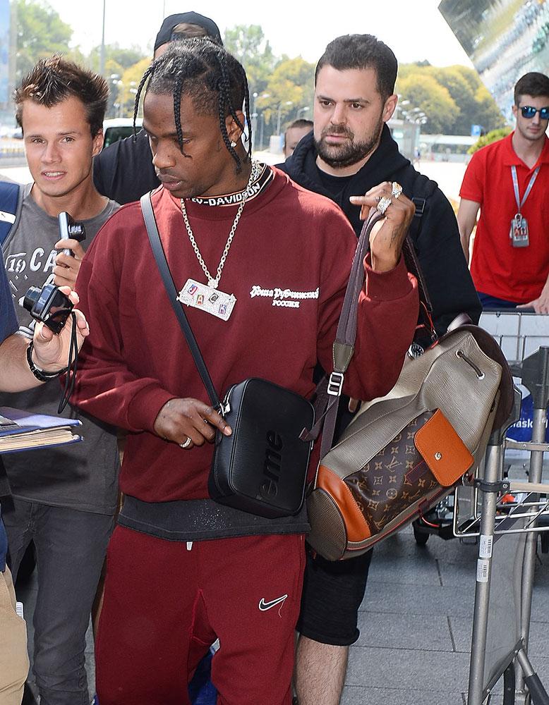 Travis Scott Louis Vuitton Backpack Louis Vuitton x. Supreme Shoulder Bag - PRACHTIGE NIEUWE STIJLEN VAN GUCCI, FENDI, EN ALEXANDER WANG DESIGNER TASSEN