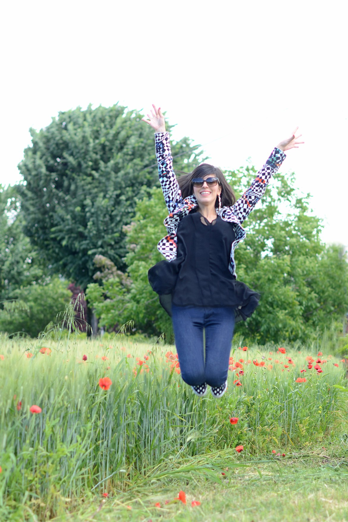 Modena countryside: Chessboard jacket & Polka dots sneakers
