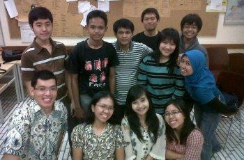 Foto bersama guru dan teman kursus Goethe