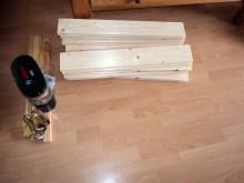 Kayu-kayu ini nantinya akan dibuat greenhouse mini