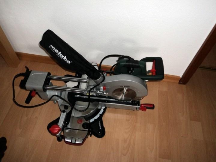 Mesin Pemotong Kayu, sengaja dibeli Suami supaya bisa Membuat Sendiri peralatan untuk Taman