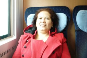 Mama Tercinta naik kereta ICE menuju Berlin
