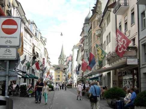 Pusat Belanja di Zürich