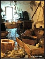 Ruang 7 – Koleksi Peralatan dan Herbal
