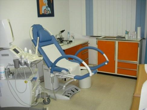 Kamar pemeriksaan kehamilan. Foto dari tempat saya selalu memeriksakan kehamilan