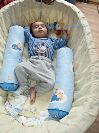 Tiap kali tidur kaos kaki Ben dicopot melulu Hu