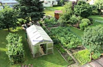 Model Kebun Impian saya, dilengkapi greenhouse