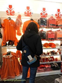 Warna orange khasnya Belanda