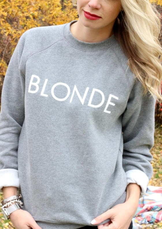 Blonde sweathirt