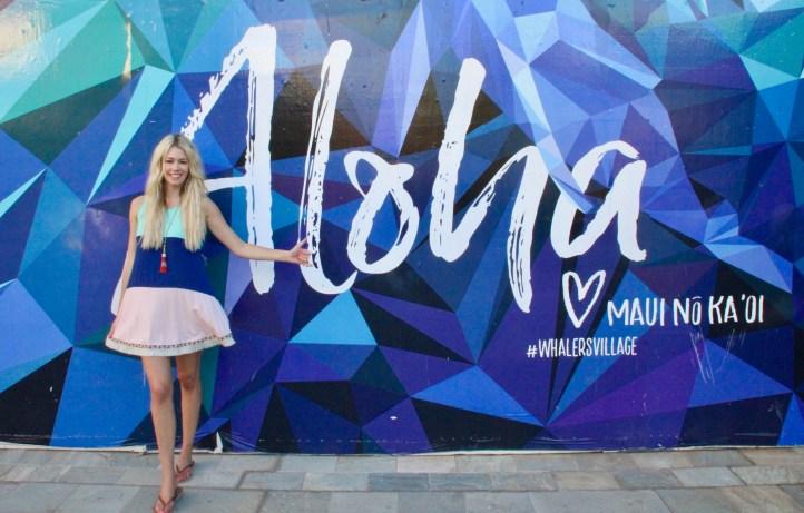 Aloha Wall - Lahaina Maui - Instagrammable spots in Maui - Mint Julep mini-dress