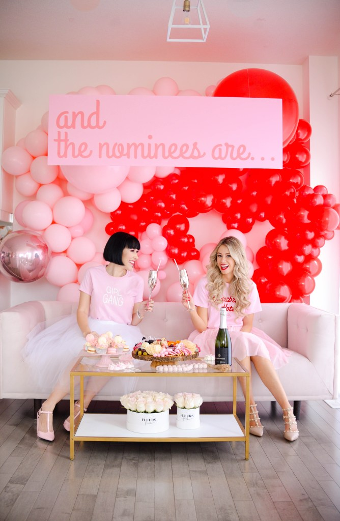 How to Throw an Awards Show Party - decor, snacks, sweets, drinks, outfits, makeup and more! #partyideas