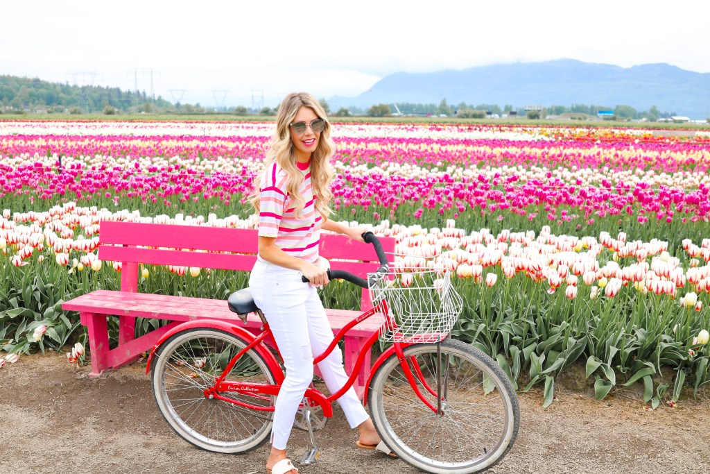 Tulip Festival Canada - tips on when to go and how to get the best photos! Pursuing Pretty summer fashion trends with Joe Fresh. #style #fashion #travel #canada #flowers #tulips
