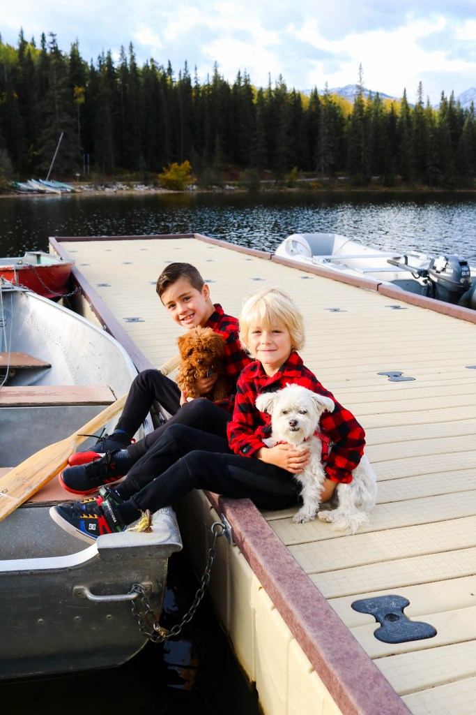 Pyramid Lake with Kids - what to see and do in Jasper, Alberta, Canada