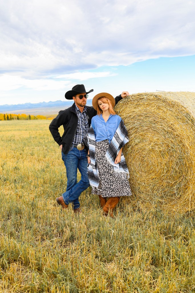 Rip and Beth Halloween Costume - Yellowstone Halloween Costume Ideas - Beth Dutton quotes - Western couple costume - couples costume ideas - Yellowstone TV series #halloween #costumes #yellowstone #bethdutton #cowgirl