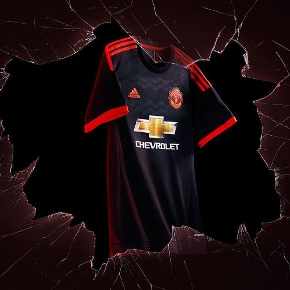 Manchester United 2015-16 Third Kit