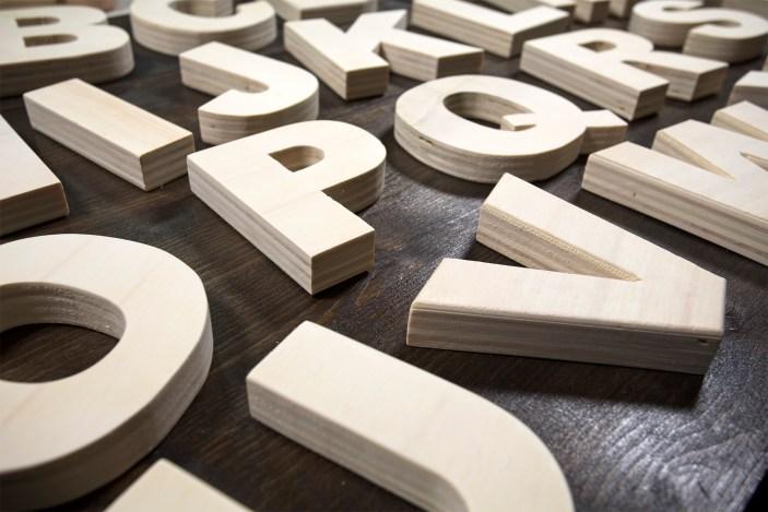 Alfabeto di legno particolare