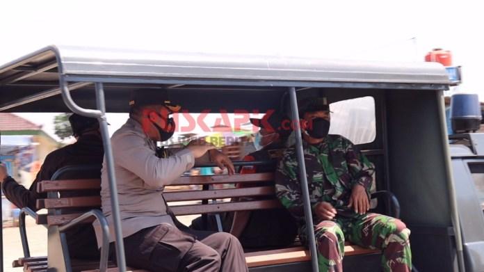 Naik Mobil Patroli SPKT, Kapolres Pemalang Cek Prokes ke Pasar-Pasar