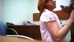Patroa com tesao fode com o secretario no trabalho