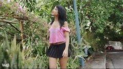 Adriana hernandez putinha fazendo exibicionismo pelada em locais públicos