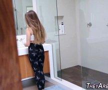 Ex videos com gostosa ficando pelada no banheiro