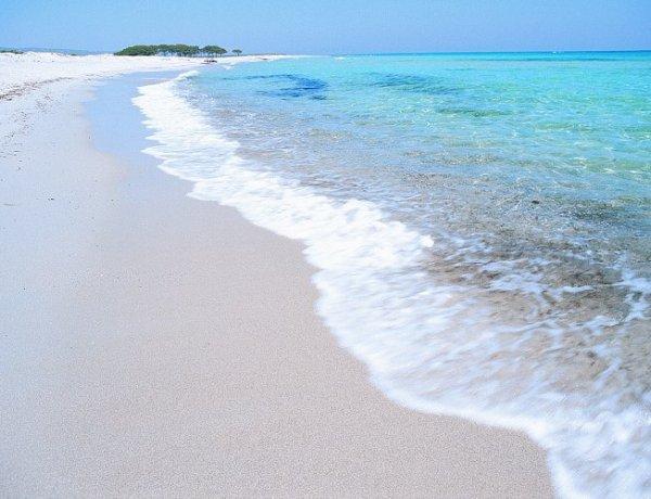 Sardinija zabranila turistima da uzimaju pijesak s plaže – kazna do 3000€