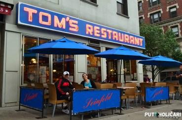 Biciklima smo sitgli i do restorana Toms poznat iz jedne od najboljih serija svih vremena - Seinfield