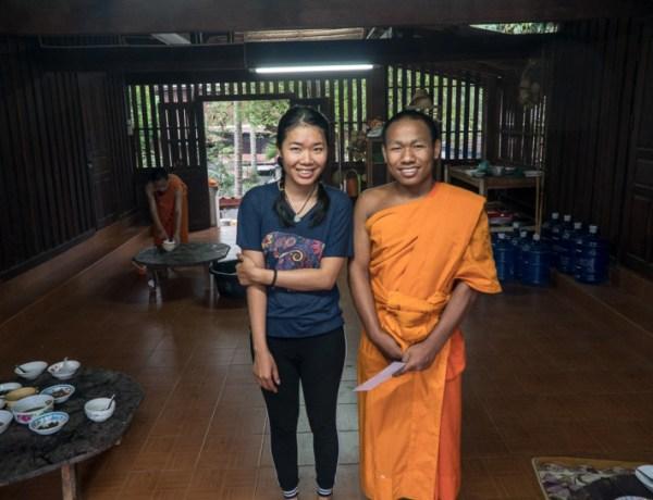 Laos – teškoća stopiranja i život s monasima